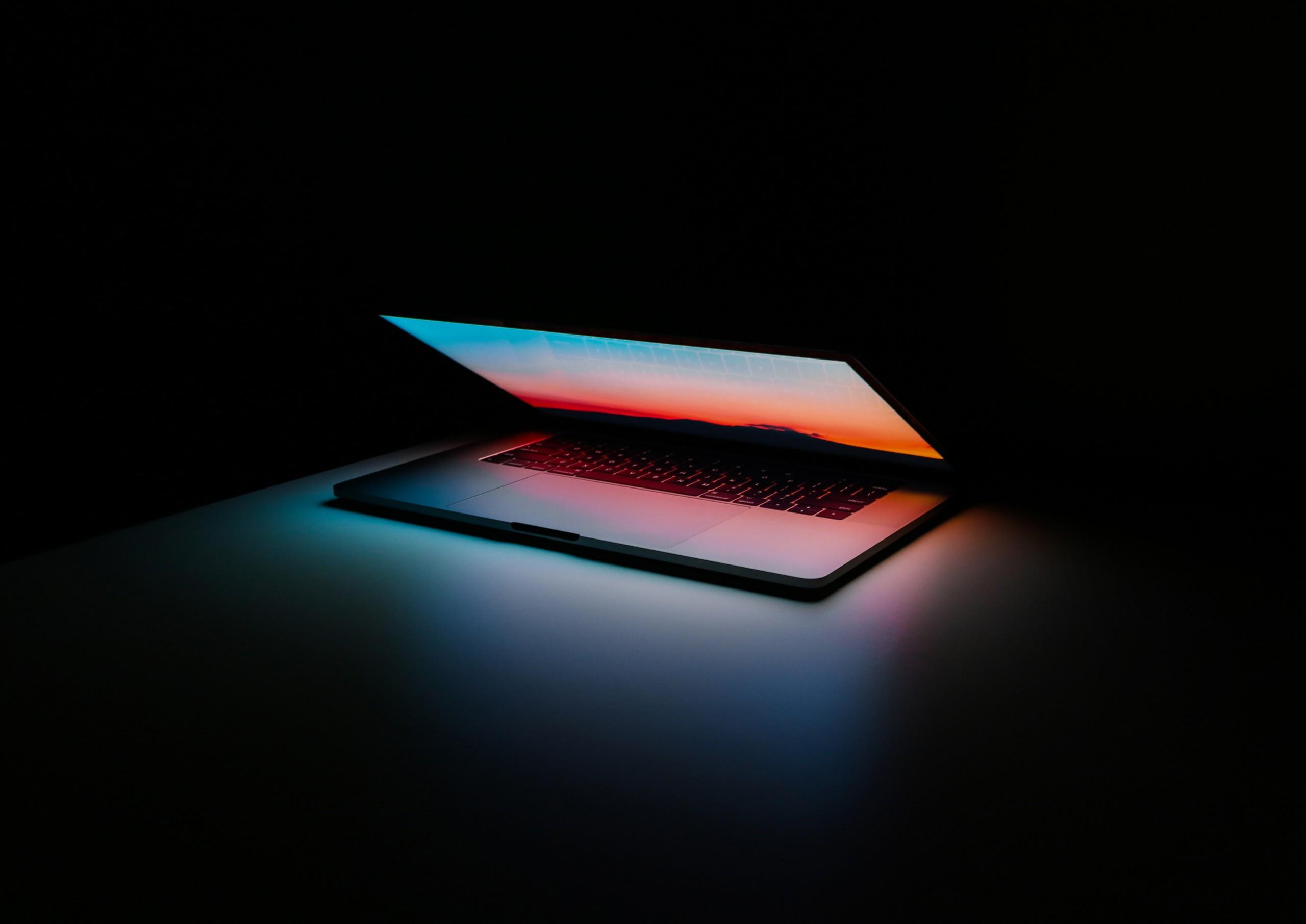 helpdesk laptop